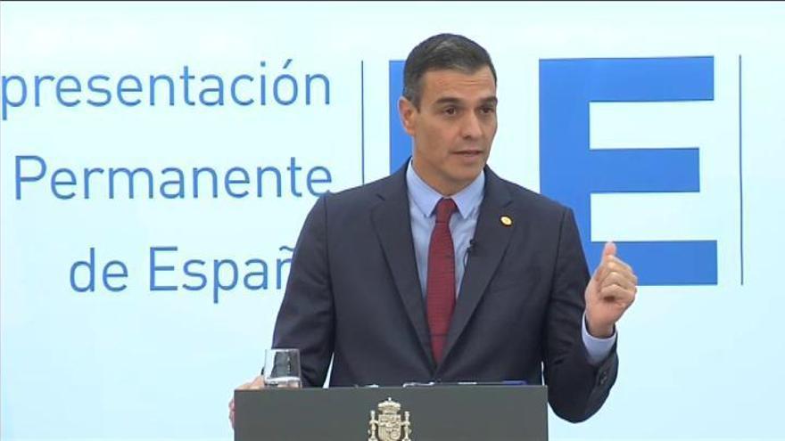 """Sánchez recalca su """"rotundo"""" compromiso con la monarquía"""