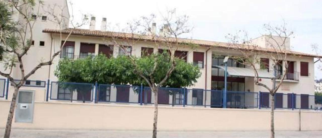 El Consell paga la deuda del geriátrico de Almassora a un mes de los comicios
