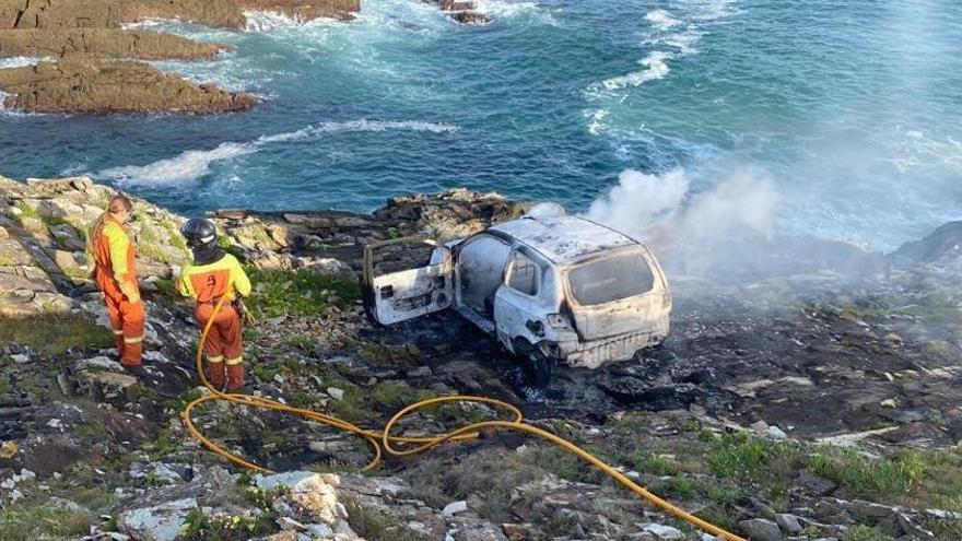 Rescatan del mar el cadáver de una mujer, hallado en la costa de Serantes (Tapia)