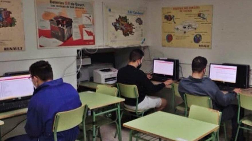 El IES Los Sauces de Benavente utiliza una plataforma virtual para dar un salto tecnológico en el aula
