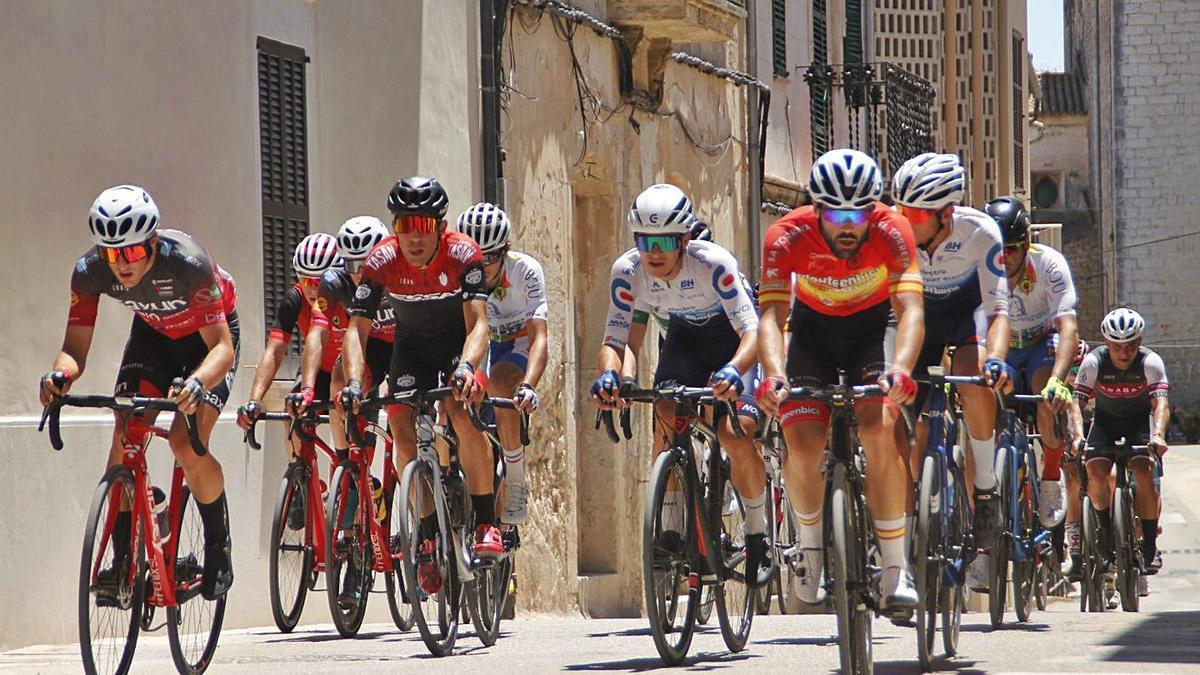 Imagen de la carrera de primera categoría disputada en Campanet.  | T.A.