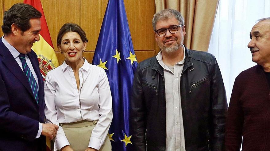 Compromiso para ampliar los ERTE hasta mayo que sabe a poco en Canarias