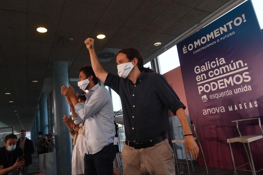 El vicepresidente segundo del Gobierno y líder de Unidas Podemos ha arropado al candidato de la coalición Galicia En Común-Anova Mareas, Antón Gómez-Reino, en Palexco.