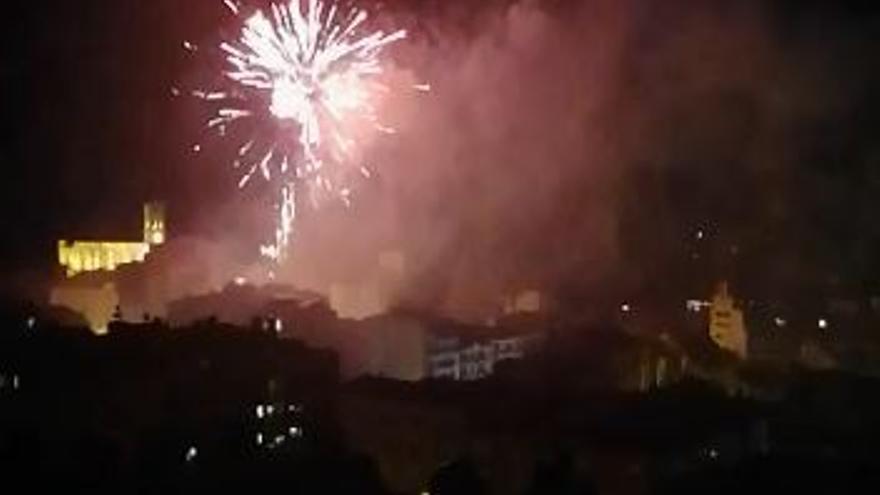 Castell de focs de la Festa Major de Manresa vist des del parc de Puigterrà