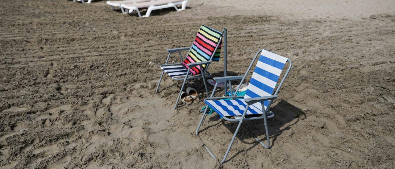 Playa de Ibiza sin turistas este verano