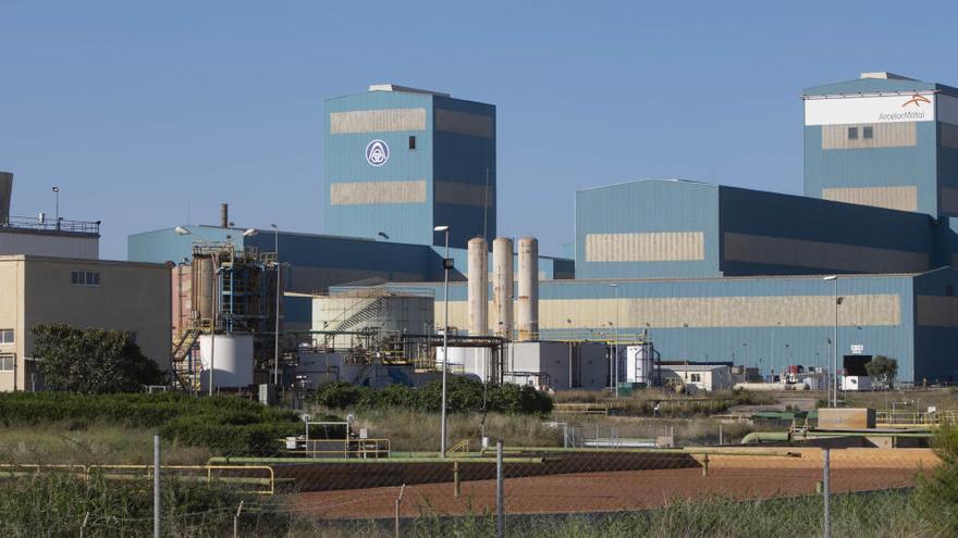 Los trabajadores de ArcelorMittal desconvocan los paros