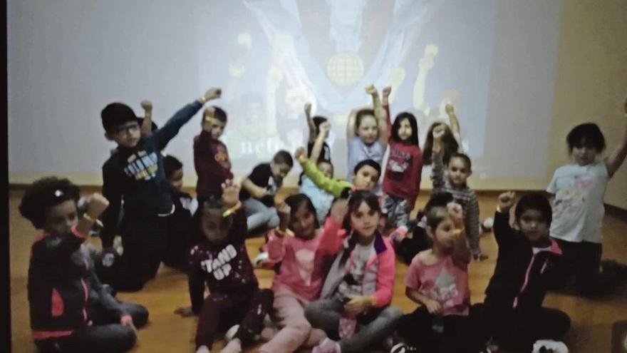 """Un colegio en lucha por """"salvar"""" el planeta"""