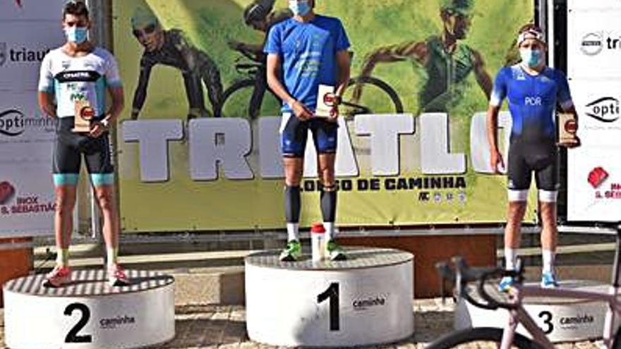 Cristóbal Dios acaba tercero en el Triatlón de Caminha 2021
