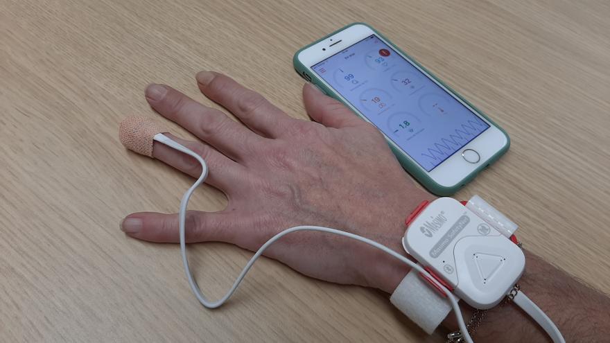 El Clínico inicia un plan piloto para monitorizar de forma remota a pacientes de covid-19 dados de alta