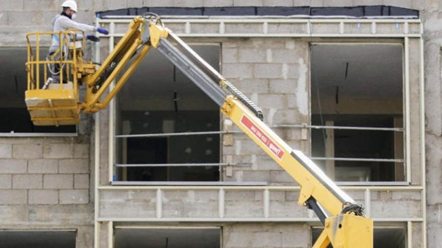El 'banco malo' prevé construir más de 300 viviendas en Canarias hasta 2027