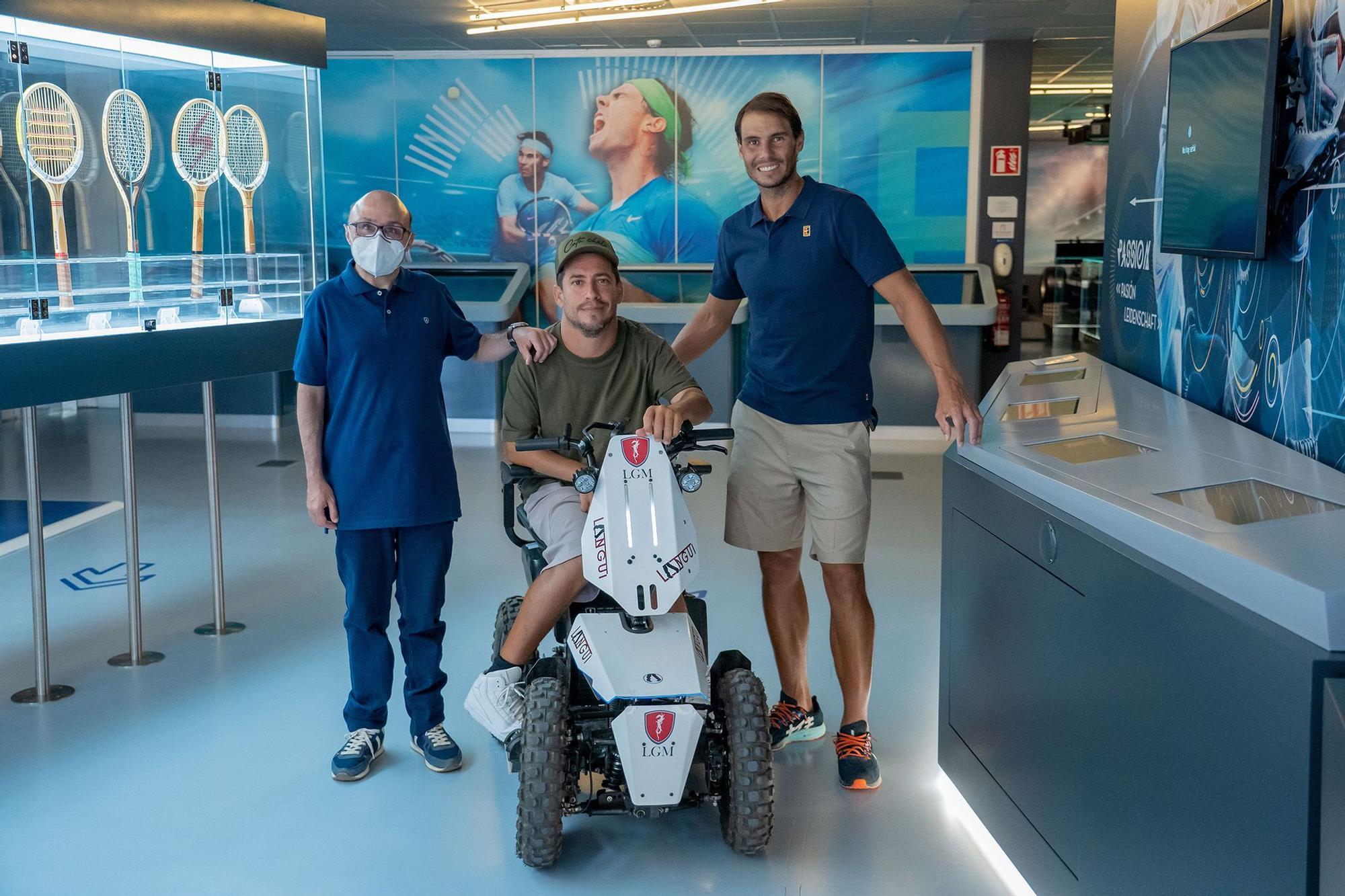 El Langui y Jesús Vidal aterrizan en Mallorca y visitan a Rafa Nadal y Miquel Montoro