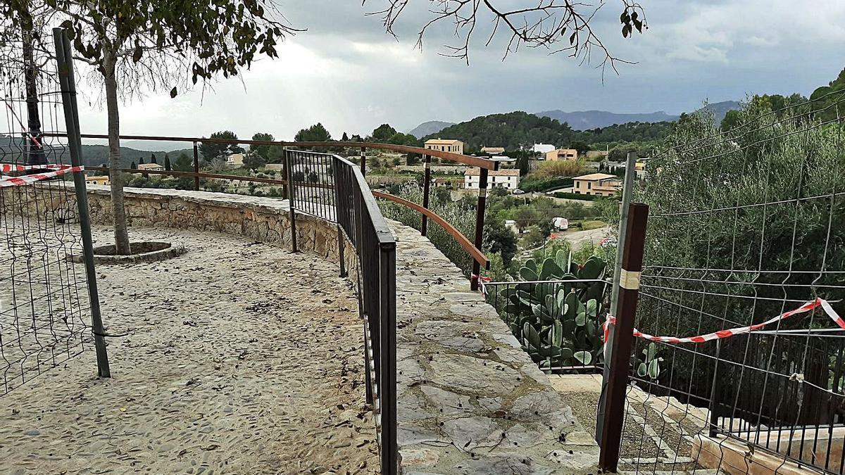 Polémica en Galilea por la nueva barandilla de la plaza