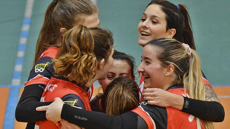 El Xàtiva Voleibol cae ante el Benidorm pero suma un punto en un partido a cinco sets