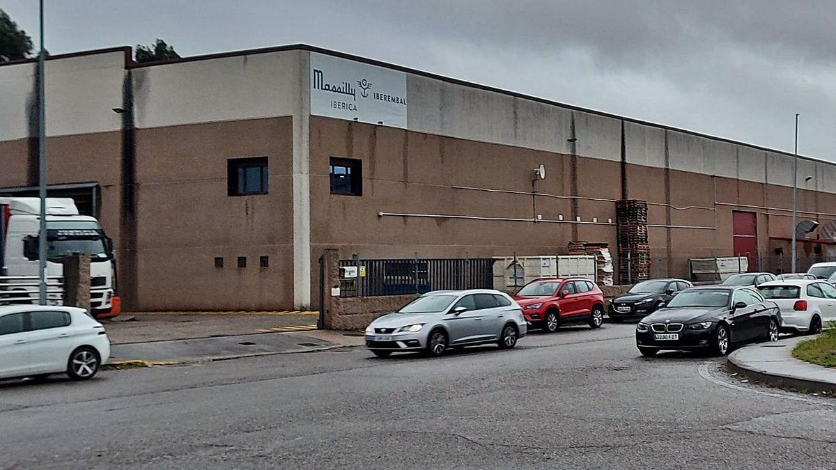 Instalaciones de Iberembal en el Polígono Empresarial de Areas, en Tui.     // D.P.
