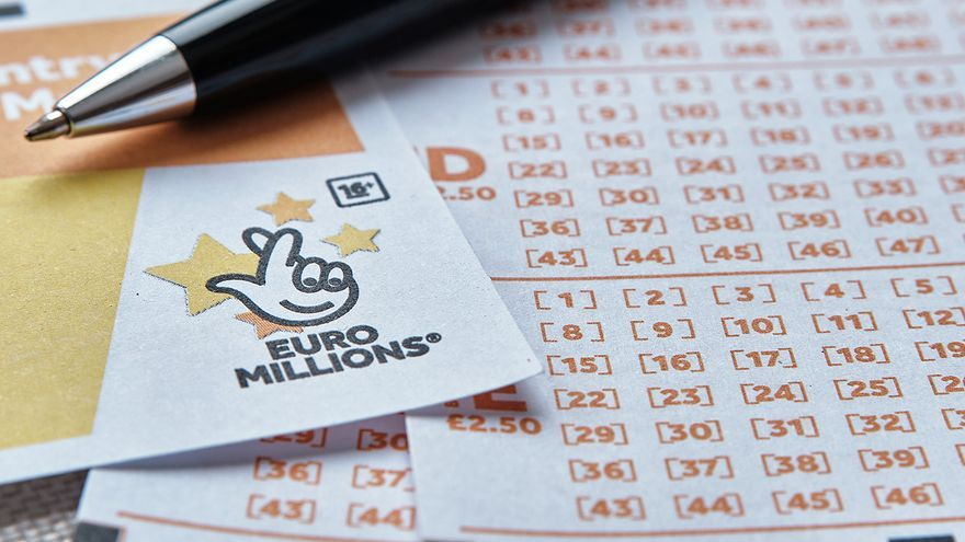El precio de presumir por WhatsApp: cómo perder un premio de lotería por compartir fotos en un grupo