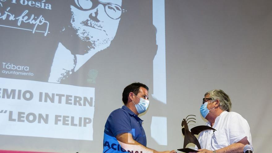 """El alicantino Julen Carreño, ganador del Premio Internacional de Poesía """"León Felipe"""" 2021"""