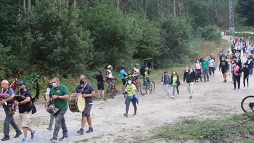Marcha contra el proyecto eólico del Castrove