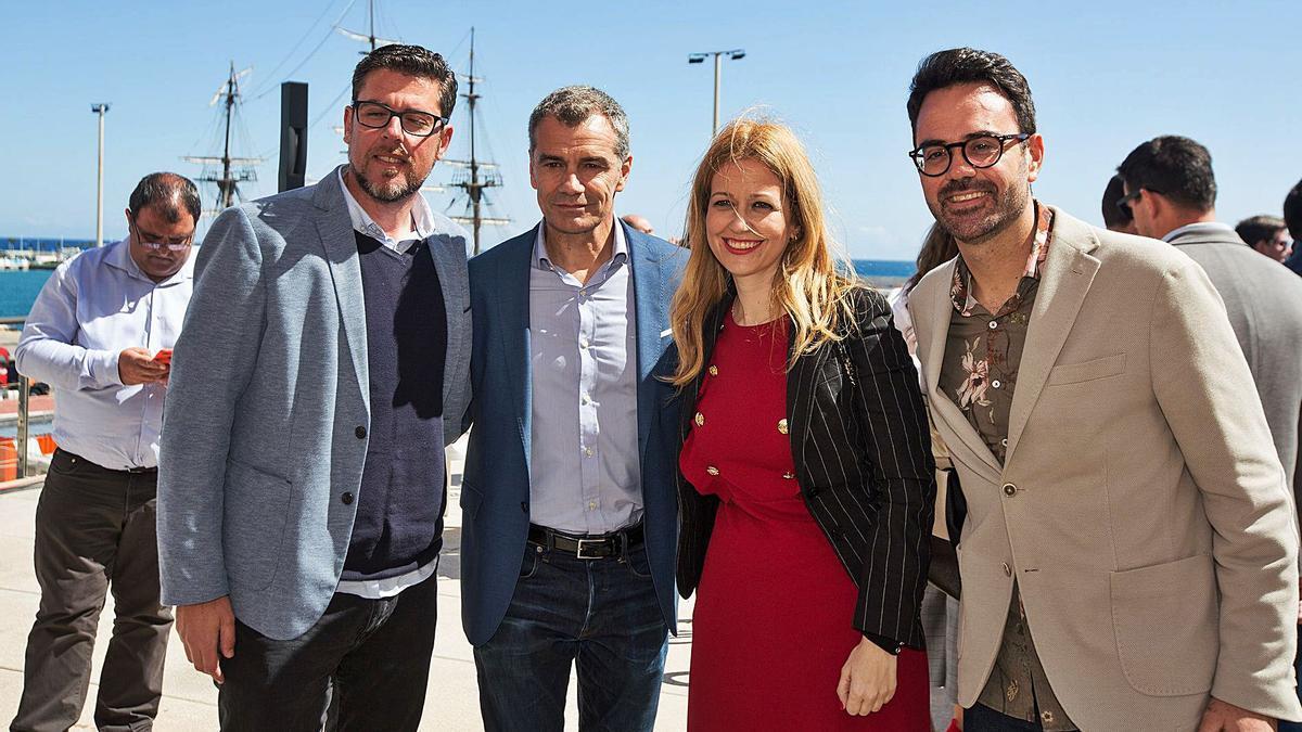 Javier Gutiérrez, Toni Cantó, Teresa Ortiz y Adrián Santos Pérez, en un acto electoral de Cs de la pasada campaña. | ALEX DOMÍNGUEZ