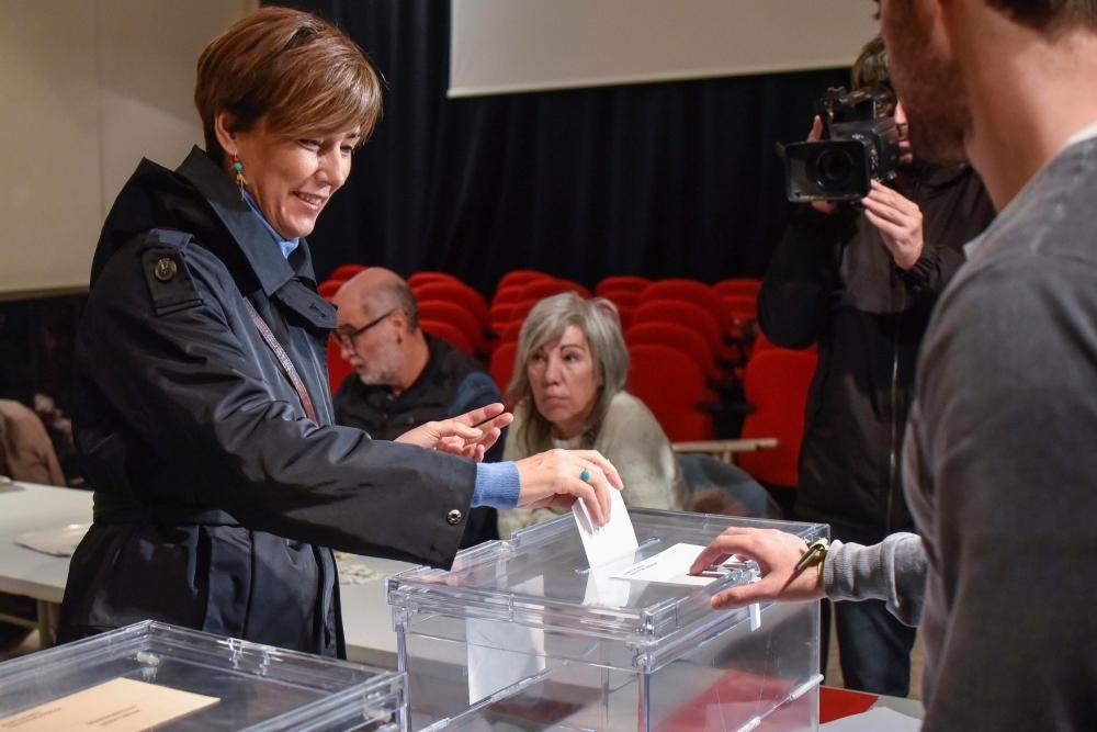 Votación de Patxi López y Begoña Gil