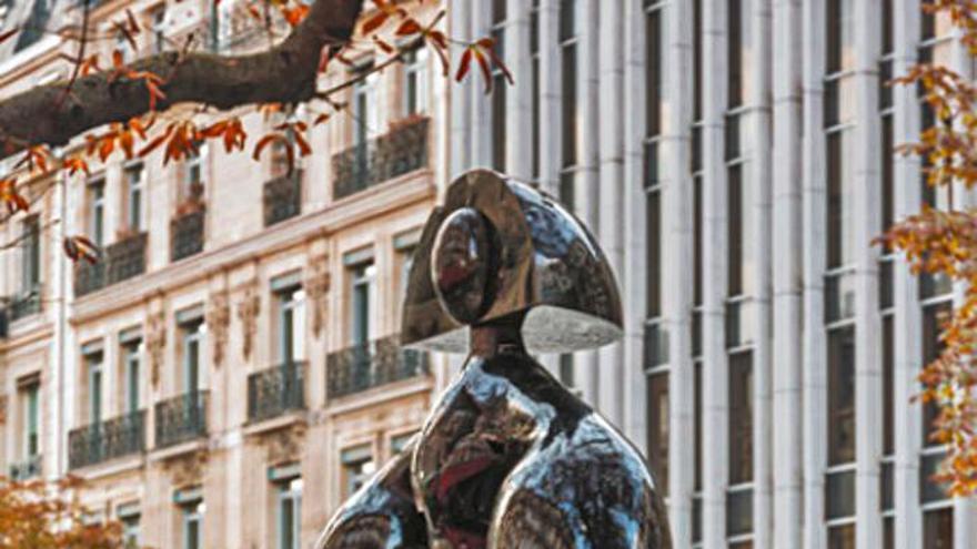 Idilio infinito entre Manolo Valdés y las calles de París