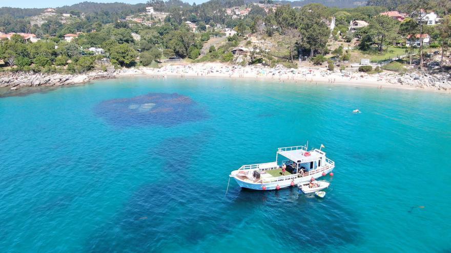 Un barco del desguace para el turismo de mejillón