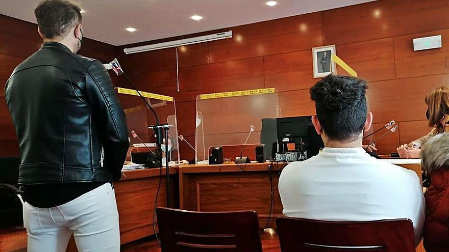 5.000 euros y una multa de 720 por romper la nariz y dientes a un joven en Zamora