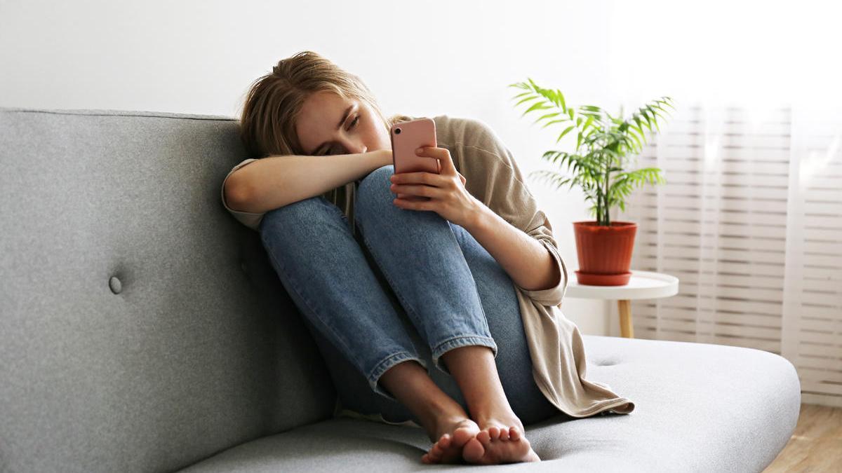 Los síntomas de depresión son mayores entre las mujeres que entre los hombres