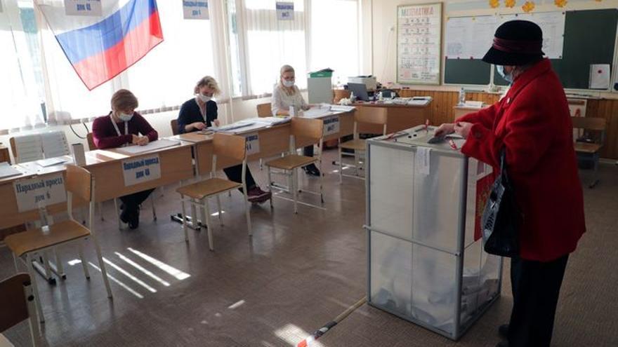 Los expertos en estadística dan un empate entre el partido de Putin y los Comunistas en las elecciones rusas