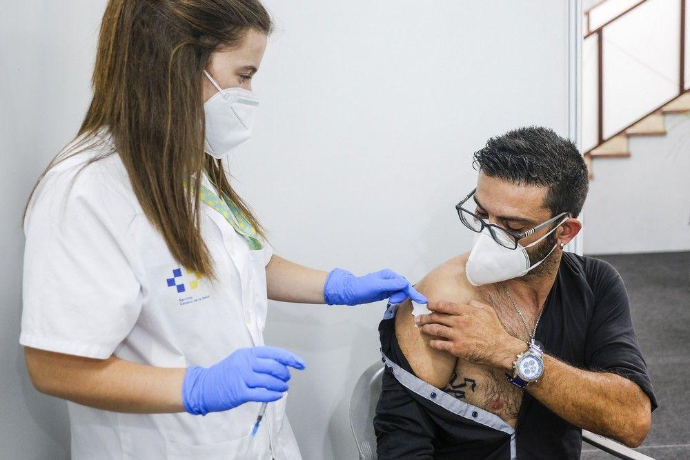 Vacunación contra el covid de jóvenes