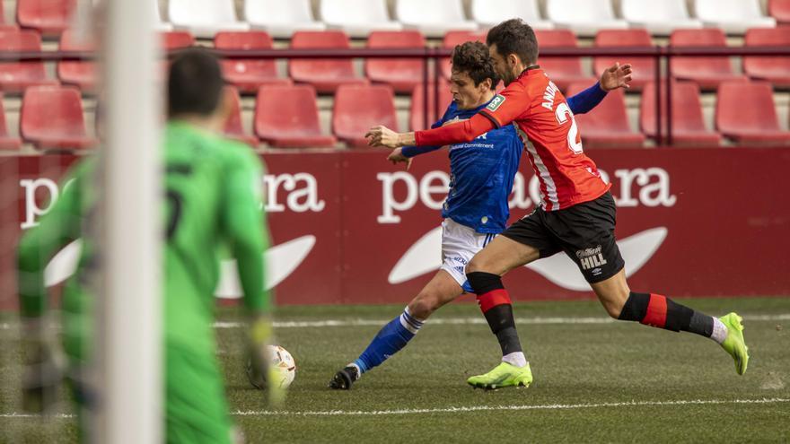 El Oviedo se queda corto ante el Logroñés (0-0)