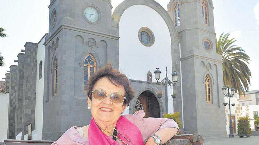 Mari Carmen Hernández: «Le rezo al Cristo de Telde desde que vivía en el desierto de Cabo Juby con cinco años»