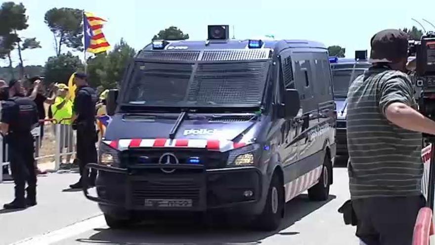 Los presos independentistas ingresan en las cárceles catalanas