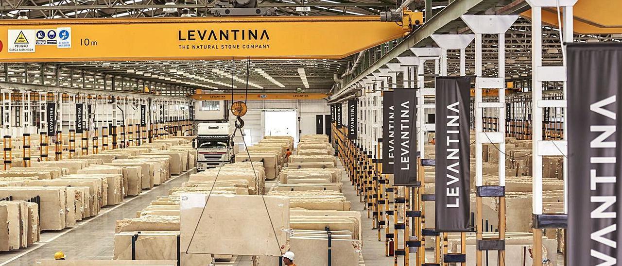 Una de las fábricas de Levantina en el municipio de Novelda.