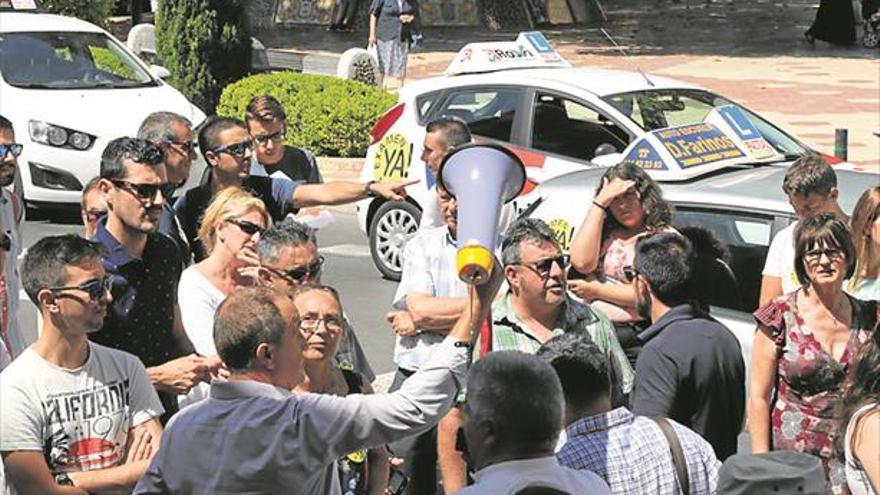 La huelga obliga a suspender 132 pruebas de conducir en Castellón