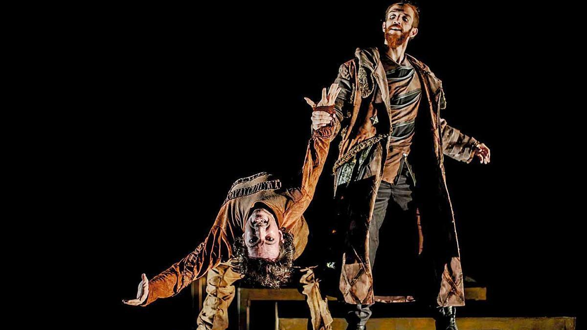 Dos actores durante una de las funciones de 'Rey Lear'.