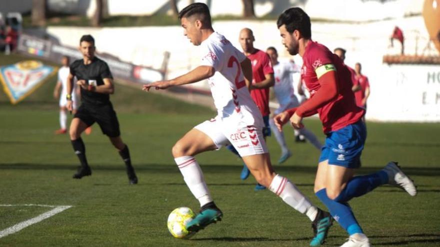 El Real Murcia no puede con el colista