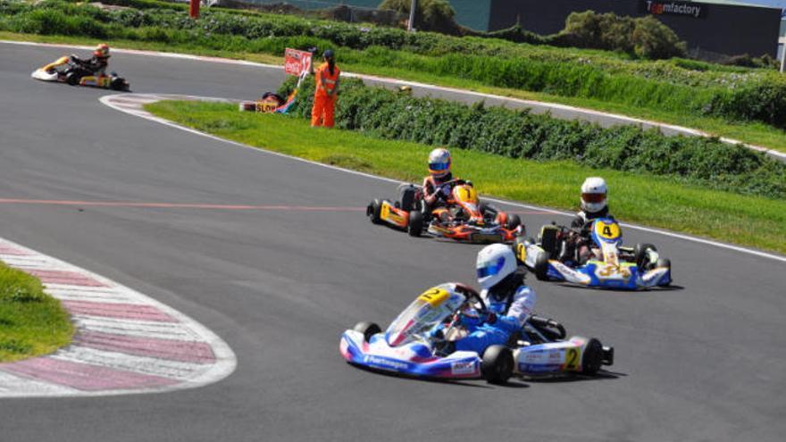 Emocionante tercera jornada en el Karting Club Tenerife