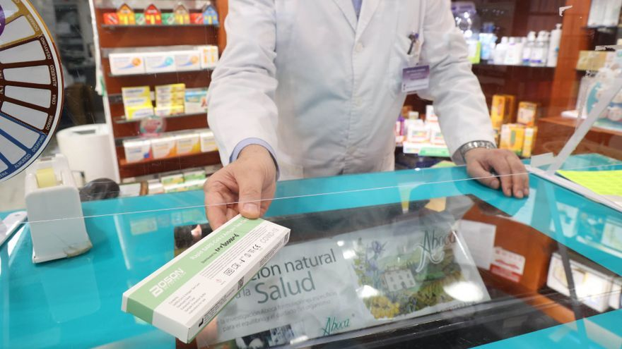 Los test de antígenos negativos certificados en farmacias serán válidos para acceder a bares y pubs