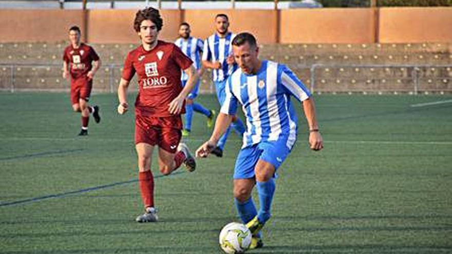Segundo revés del CF Gandia y primer triunfo del Rafelcofer CF en la liga de fútbol de preferente