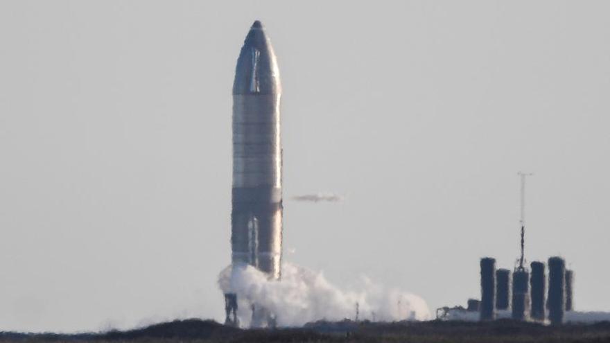 El cohete interplanetario de SpaceX aborta su despegue en el último segundo