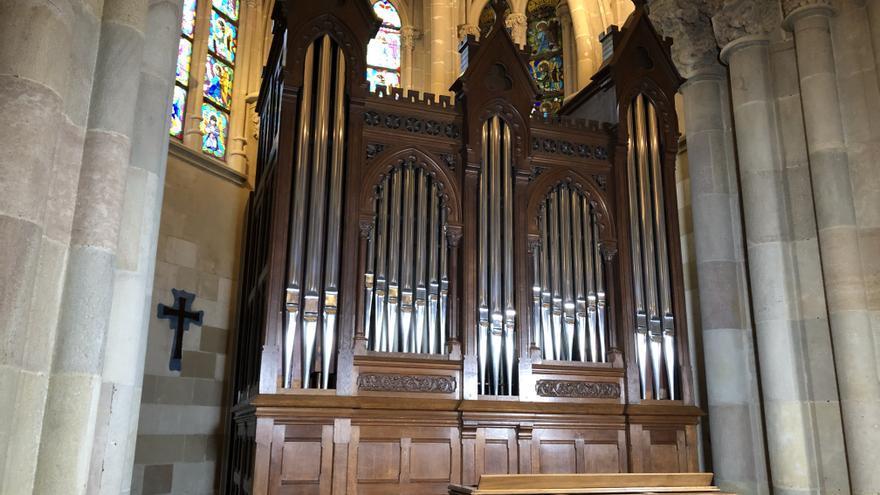 La Sagrada Familia presenta el nuevo órgano de su cripta, recientemente restaurado