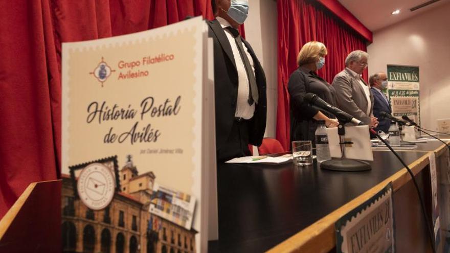 Fallece un filatélico gijonés el mismo día que iba a presentar su libro en Avilés