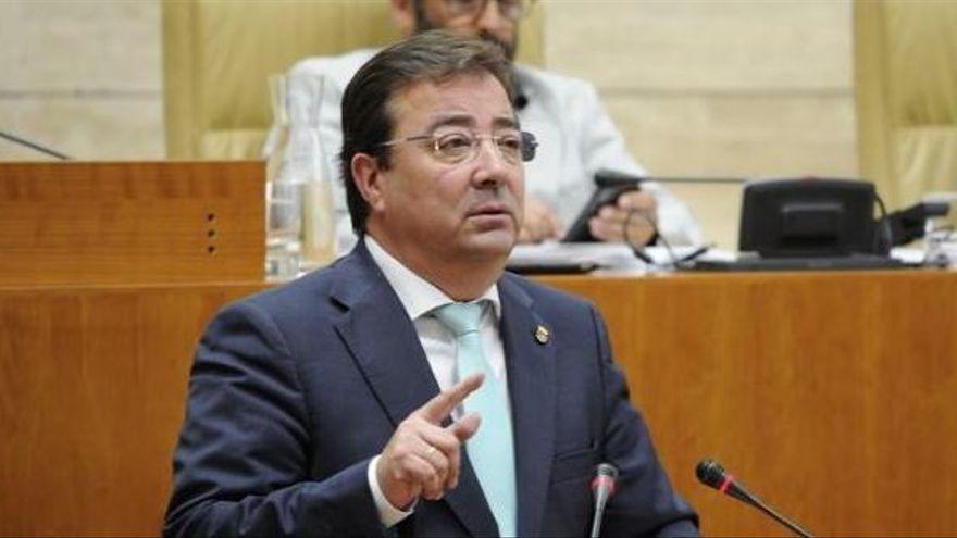 Vara, investido con la mayoría absoluta del PSOE