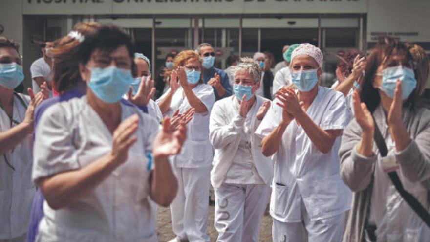 Los médicos se rebelan contra Sánchez por querer contratar efectivos sin el MIR