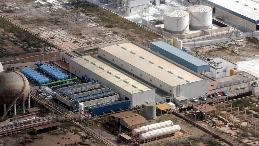 La CHS agilizará los trámites para que haya más agua de la desaladora de Escombreras para regadío
