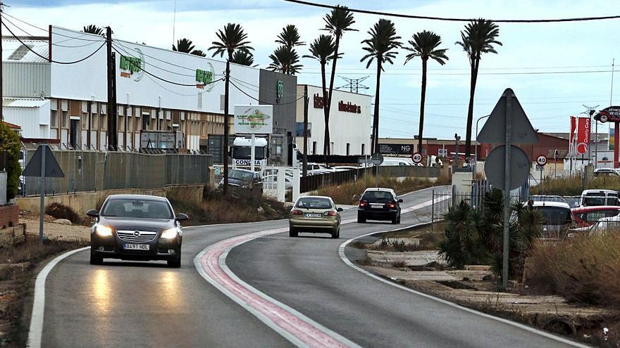 Alzira intenta acabar 20 años después el polígono de la carretera de Albalat