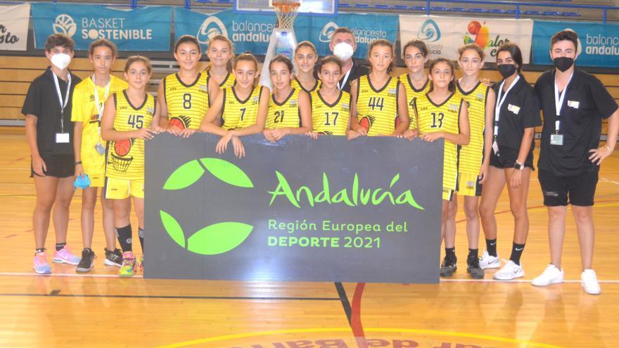 La Carlota conquista el título andaluz mini femenino de baloncesto