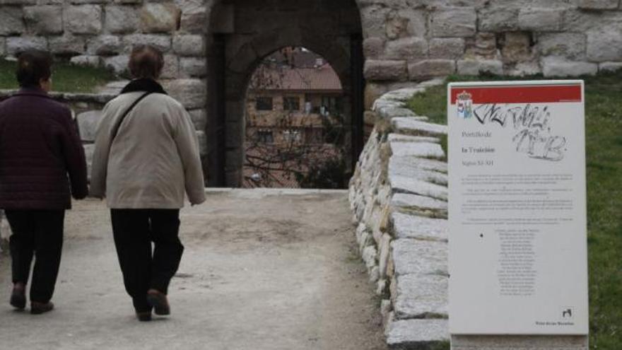 La actual Puerta de la Traición, a unos días del cambio de denominación.