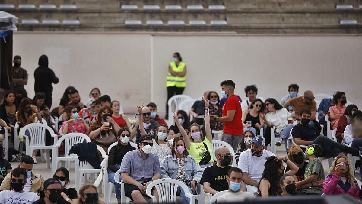 Los asistentes al festival ADN, durante uno de los conciertos. | Emilio Fraile