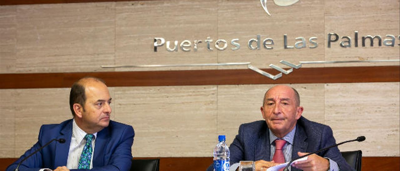 El Puerto sella los fallos constructivos de La Esfinge con un refuerzo de la escollera